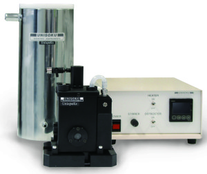 Vacuum free cryostat for liquid samples